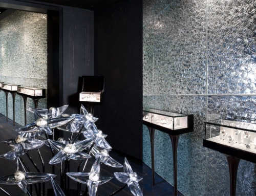 Mauboussin Crackle Glass Walls