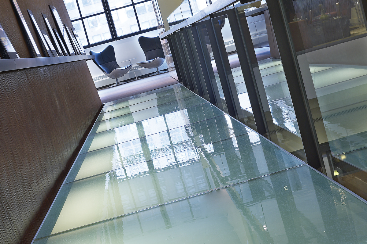 Private client glass bridge