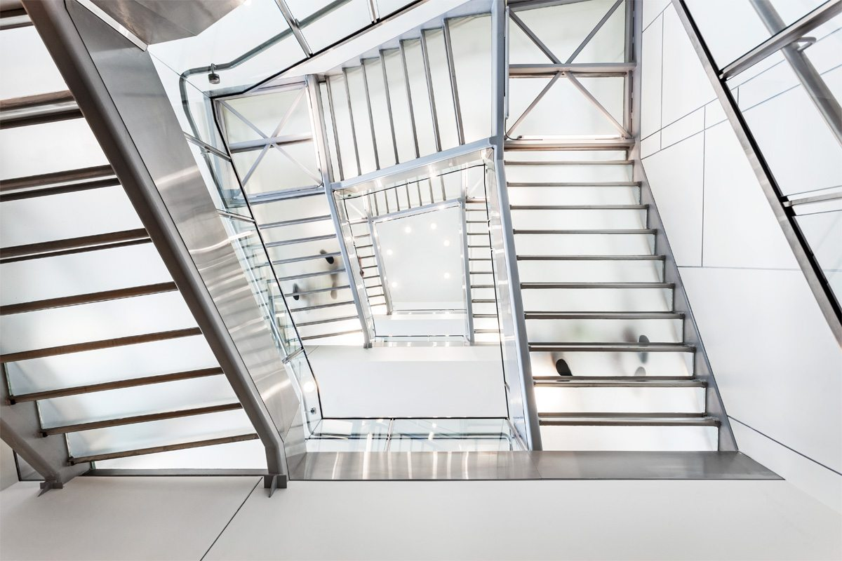 glass-stair-treads