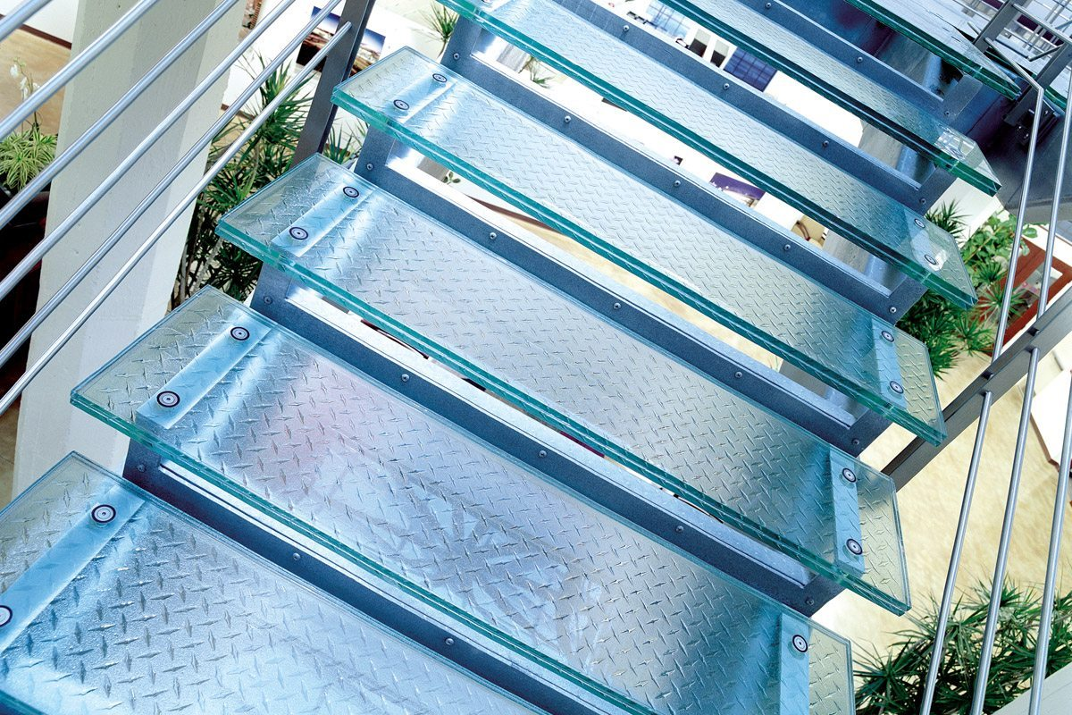 Big D Glass Stairtreads