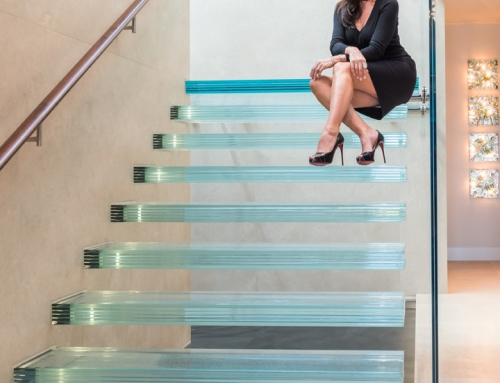 "6 layered safety glass staircase with our exclusive ""Glass Sandpaper"" anti-slip surface"