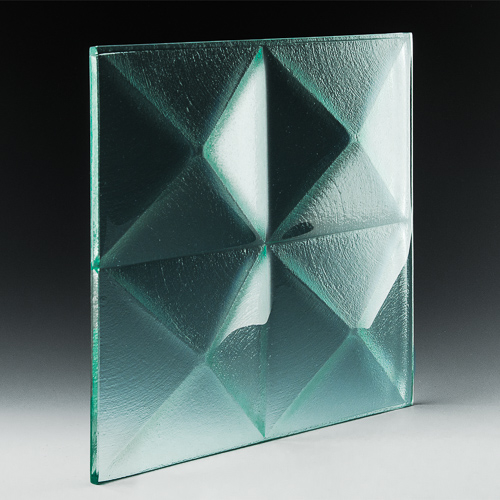 Pyramid Clear Glass angle