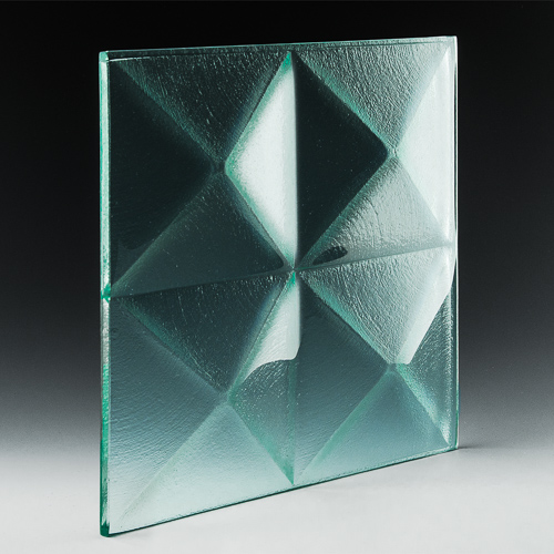 Pyramid Clear Glass angle