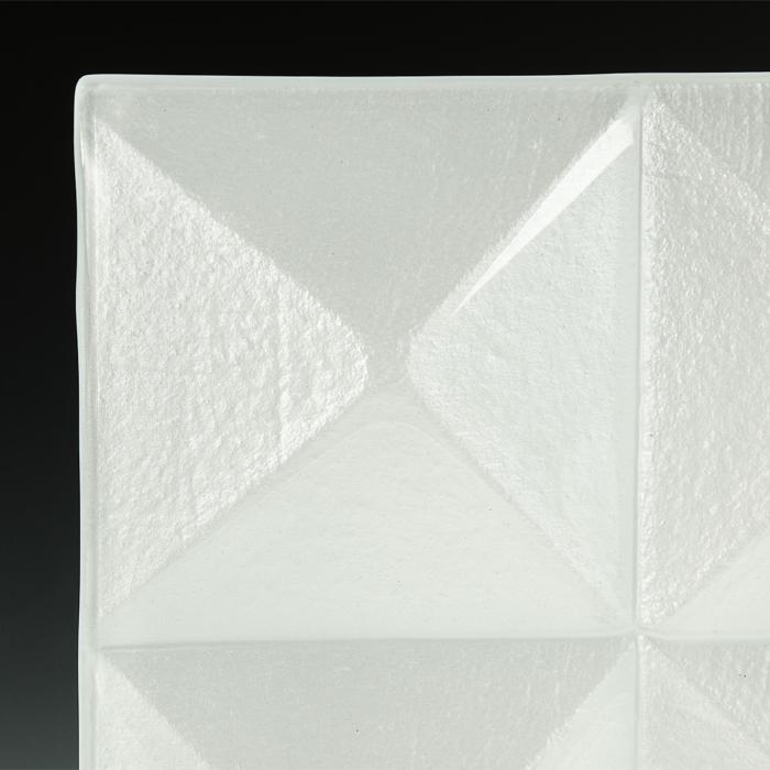 Pyramid Pure White Glass corner