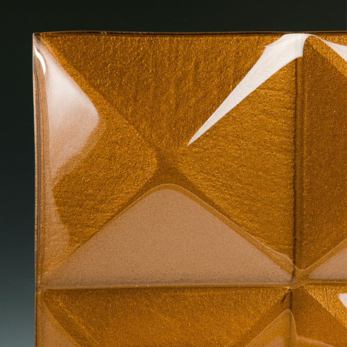 Pyramid Cognac Glass corner